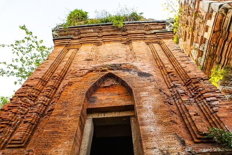 Torres gemelas - una arquitectura antigua del Cham, Quy Nhon, Viet Nam foto de archivo libre de regalías