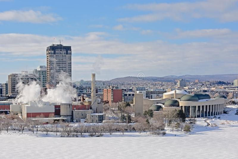Torres Highrise de la oficina, edificios industriales y distrito nacional del casco del museumin de la historia en invierno, a lo imágenes de archivo libres de regalías