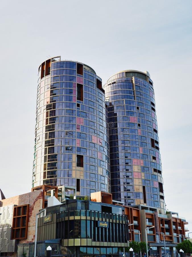 Torres modernas del apartamento, Perth, Australia occidental fotos de archivo