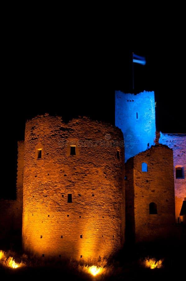 Torretta della fortezza di Rakvere alla notte fotografia stock libera da diritti