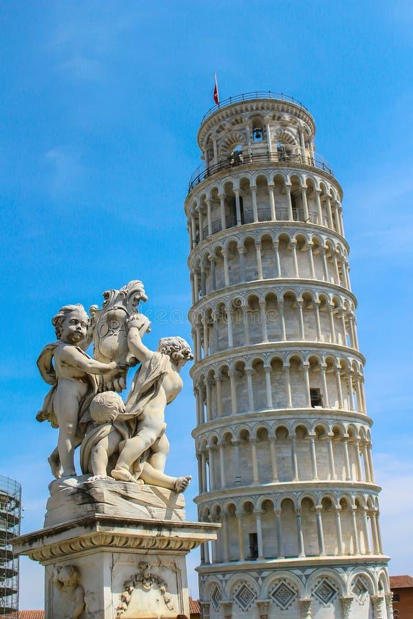 Torretta di inclinzione di Pisa immagini stock