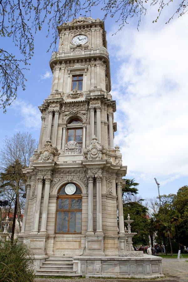 Torretta di orologio di Dolmabahce a Costantinopoli fotografia stock libera da diritti