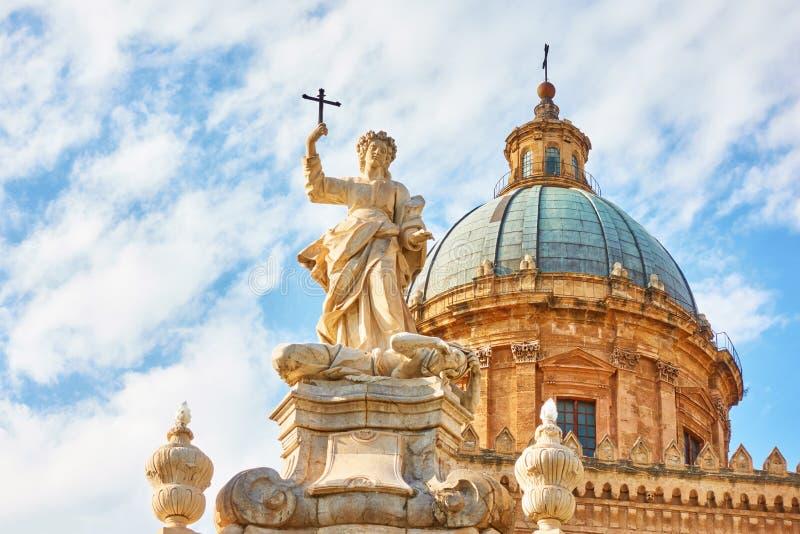 Torretta di orologio di Palermo Cathedral fotografia stock