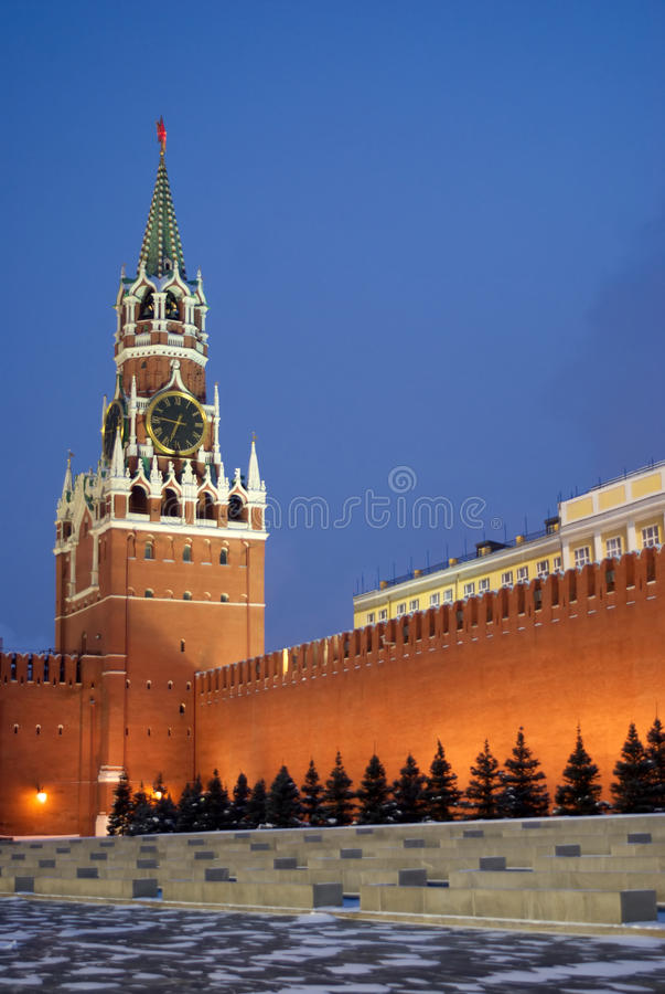 Torretta di Spasskaya sul quadrato rosso nella vittoria di Mosca Russia immagine stock