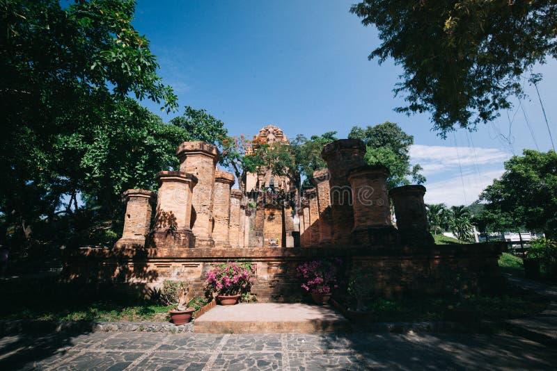 Torri di Cham del po Nagar Palazzo famoso in Nhatrang, Vietnam immagine stock libera da diritti