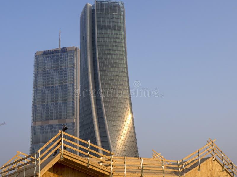 Torri di Isozaki e di Hadid a Citylife, Milano fotografie stock libere da diritti