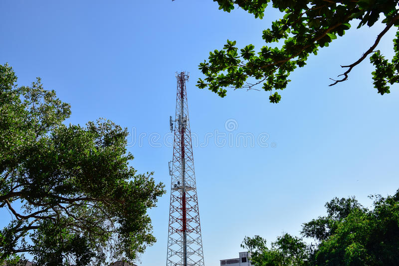 Torri di telecomunicazione fotografia stock libera da diritti