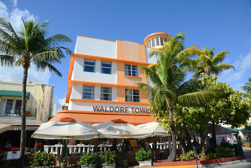 Torri di Waldorf di stile di art deco in Miami Beach immagini stock libere da diritti