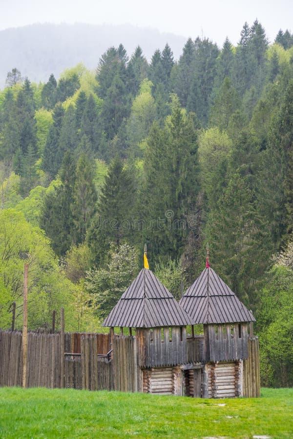 Torri difensive di legno, ricostruzione immagini stock libere da diritti