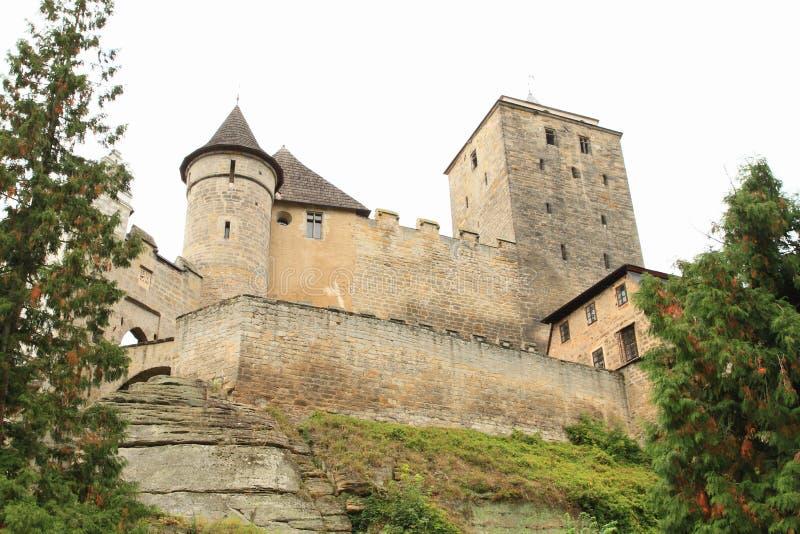 Torri e pareti del castello Kost immagine stock libera da diritti