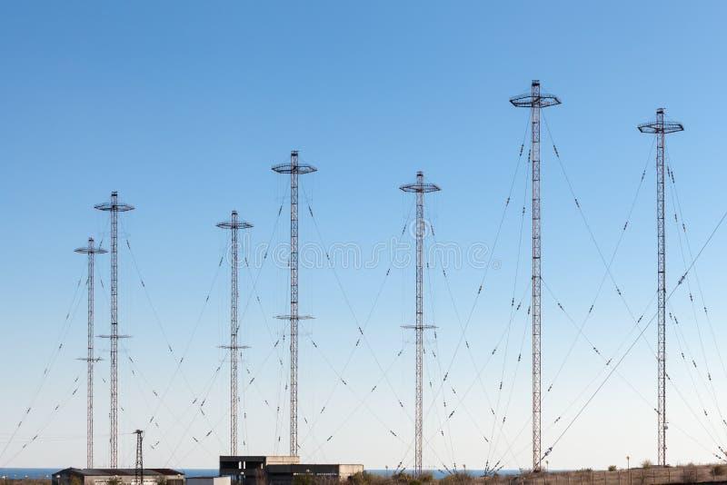 Torri militari di telecomunicazione fotografia stock libera da diritti