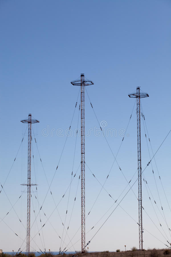 Torri militari di telecomunicazione immagini stock libere da diritti