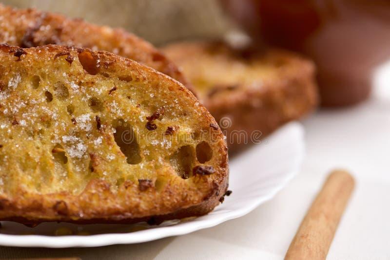 Torrijas, sobremesa espanhola típica para Lent e Easter imagens de stock royalty free