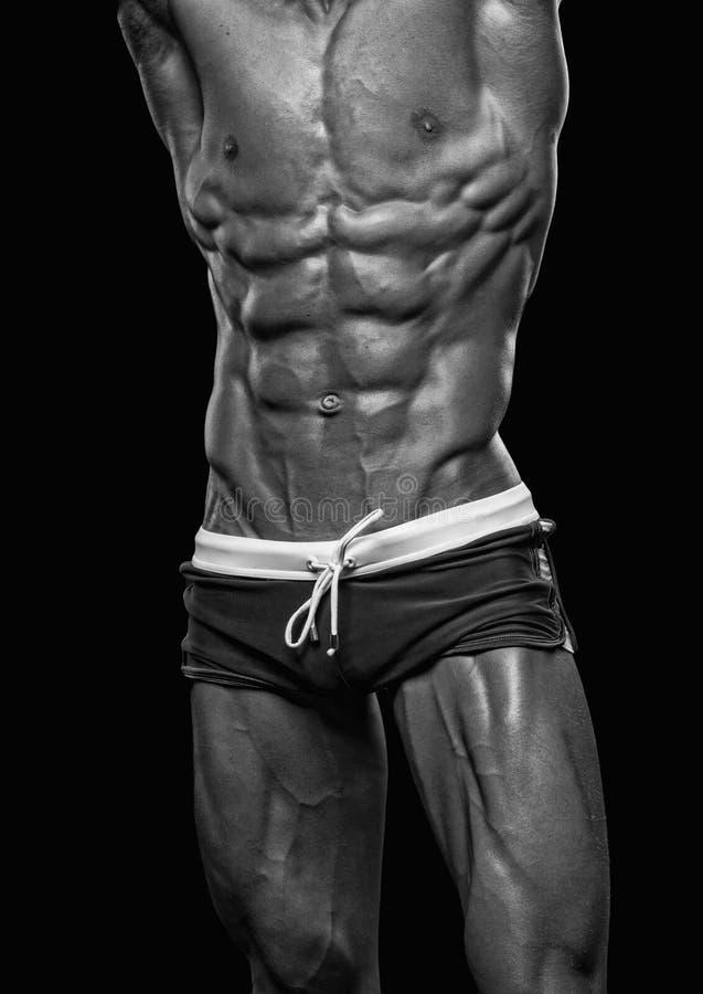 Bodybuilder masculino rasgado fotografía de archivo libre de regalías