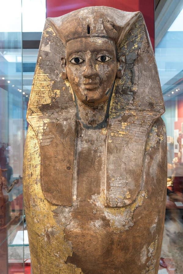 Torso del sarcófago egipcio de la princesa imagenes de archivo