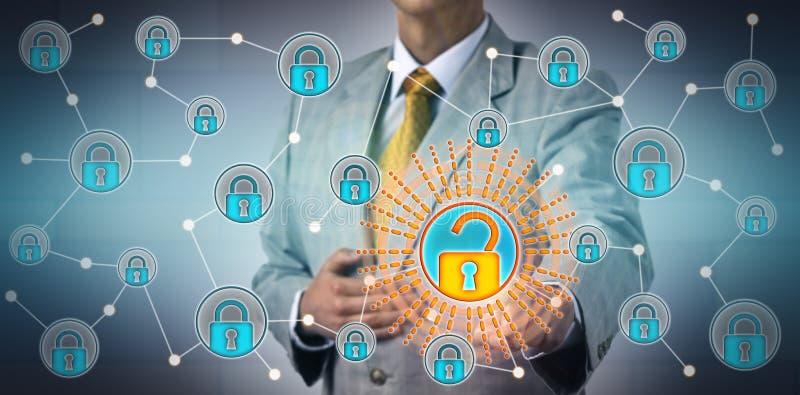 Torso van Manager Opening One Lock in Netwerk stock fotografie