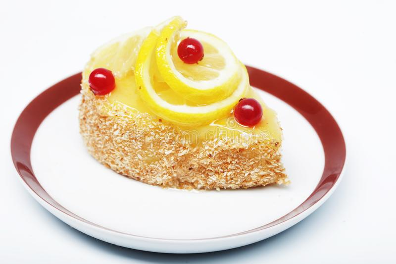 Tort dekorujący z cytryną zamkniętą w górę obrazka zdjęcie royalty free