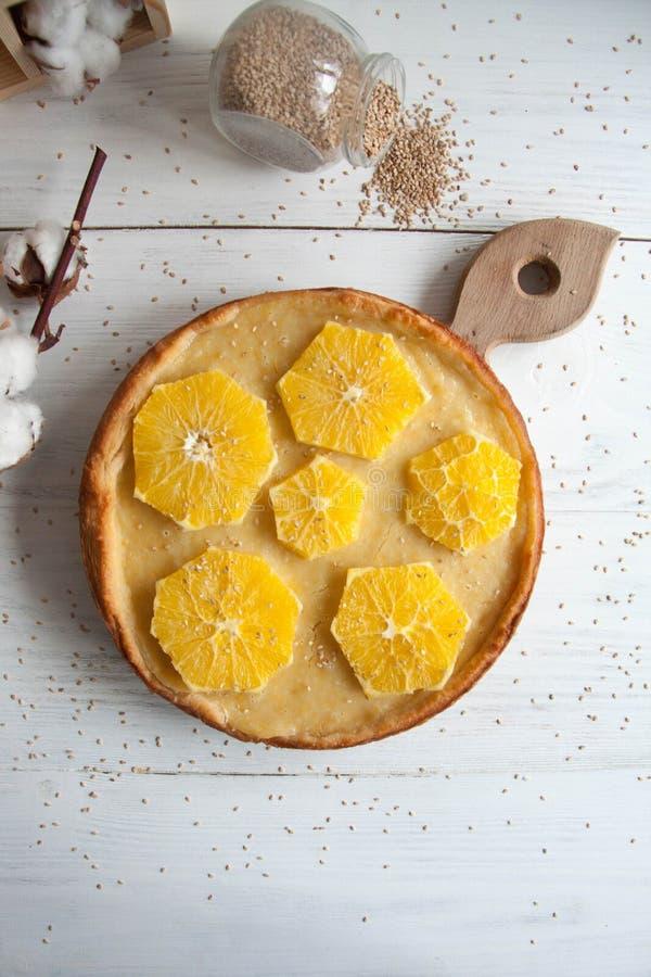 Tort z pomarańczami obraz stock