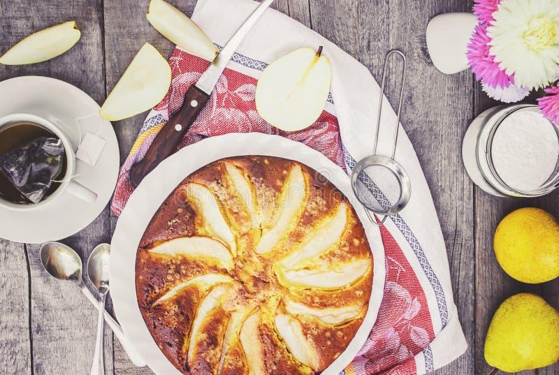 Torta com peras Foco seletivo imagem de stock