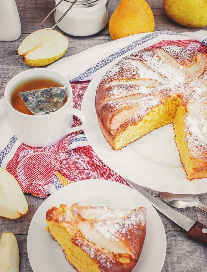 Torta com peras Foco seletivo fotos de stock