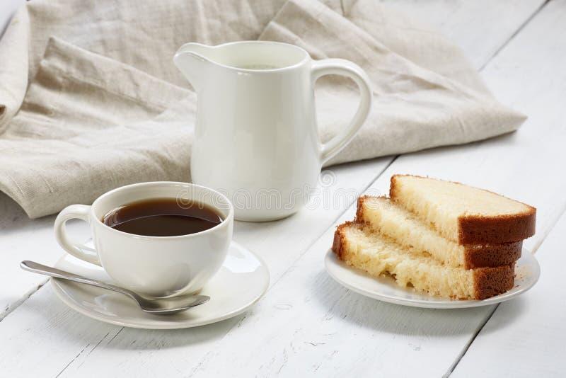 Torta con la taza de café foto de archivo libre de regalías