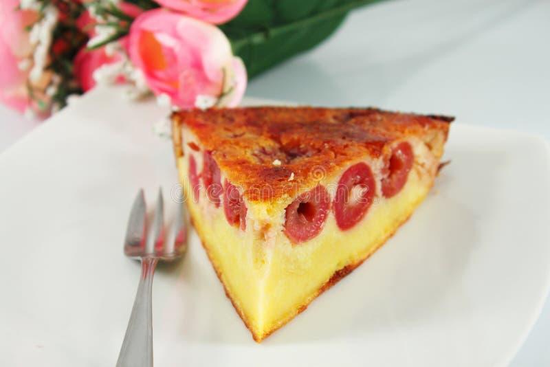 Torta con las cerezas fotos de archivo libres de regalías