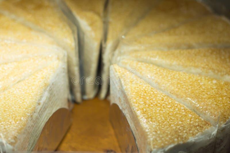 Download Torta crema dolce immagine stock. Immagine di alimento - 56888813
