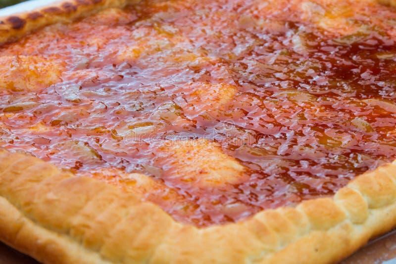 Torta de Apple Torta cozida com um enchimento doce fotos de stock
