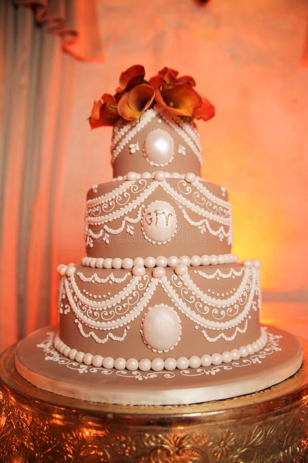 Torta de boda con gradas foto de archivo