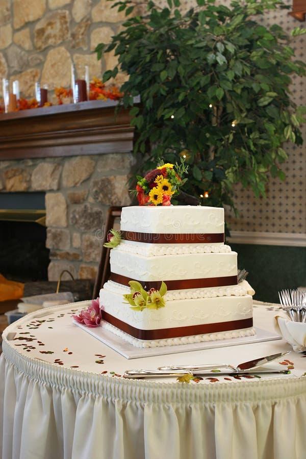 Torta de boda de la caída imagen de archivo