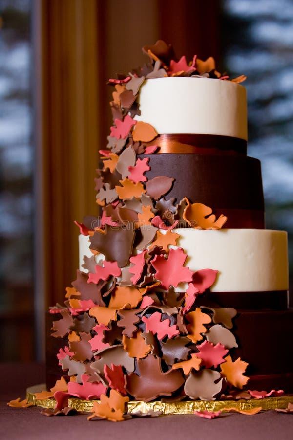 Torta de boda temática de la caída de lujo fotos de archivo