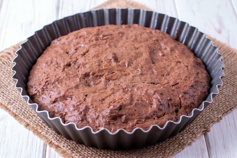 Torta de chocolate casera recién horneada foto de archivo libre de regalías