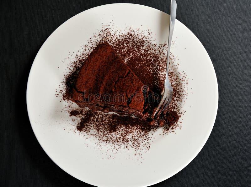 Torta de chocolate con crema y cacao de la castaña foto de archivo libre de regalías