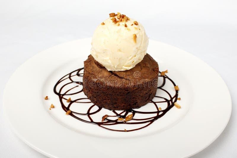 Torta de chocolate con helado Pastel pequeno fotos de archivo libres de regalías