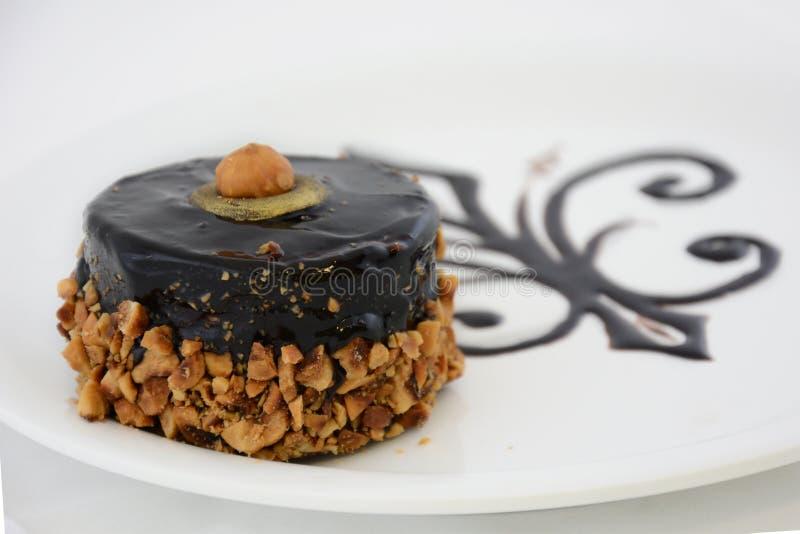 Torta de chocolate con la avellana fotos de archivo libres de regalías