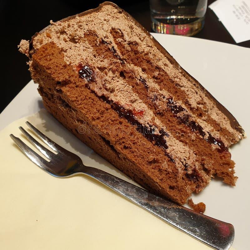 Torta de chocolate con sabor a fruta fotos de archivo libres de regalías