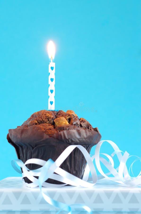 Torta de cumpleaños azul foto de archivo libre de regalías