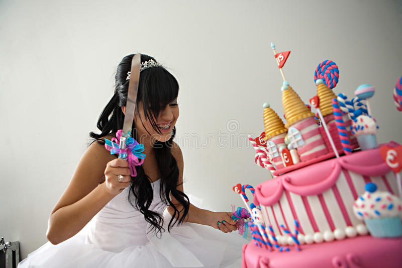 Torta de cumpleaños de Quinceanera imagen de archivo libre de regalías