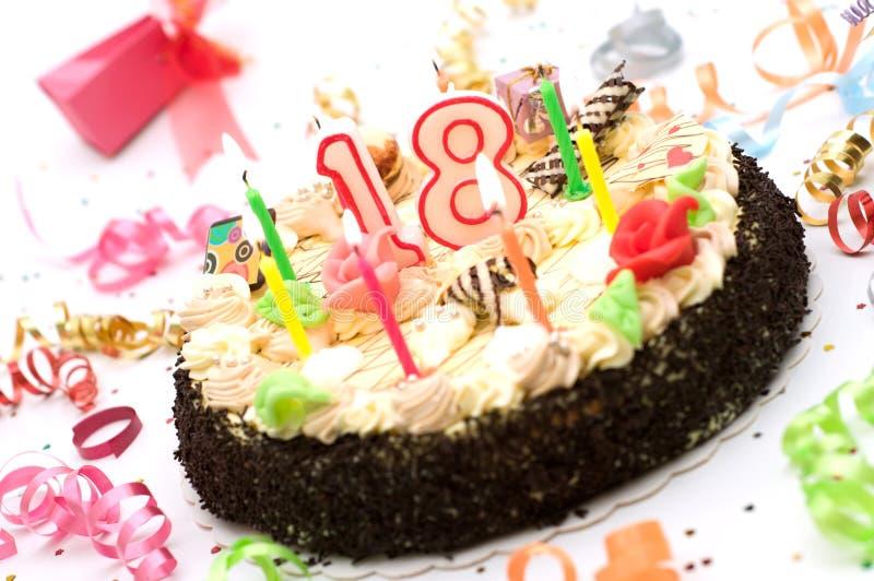 Torta de cumpleaños por 18 años de jubileo imágenes de archivo libres de regalías
