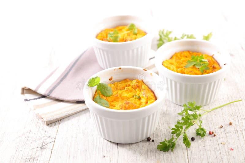 Torta de fruta ou souffle do queijo da cenoura imagem de stock royalty free