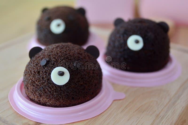 Torta de gasa hecha en casa del chocolate de la cabeza del ` s de Brown Teddy Bear fotografía de archivo