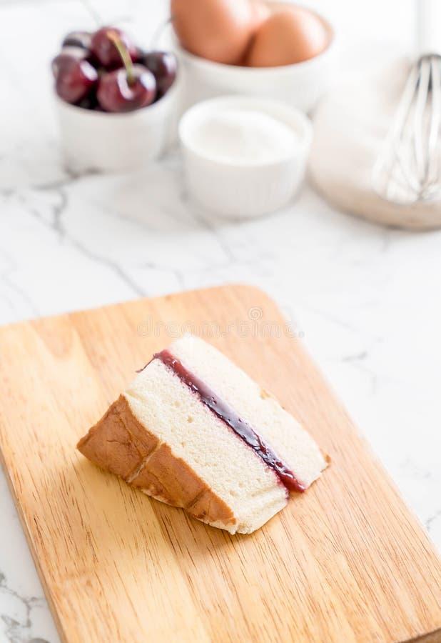 torta de gasa de la cereza imagen de archivo