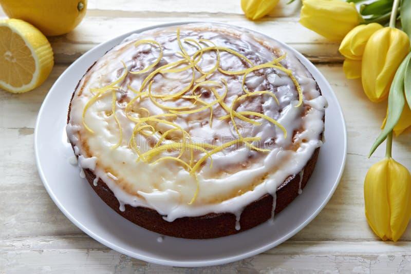 Torta de la llovizna del limón fotos de archivo