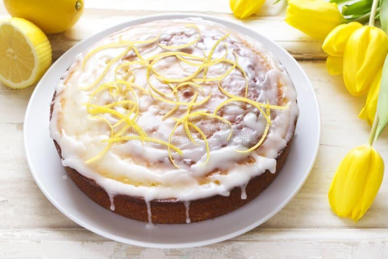 Torta de la llovizna del limón foto de archivo