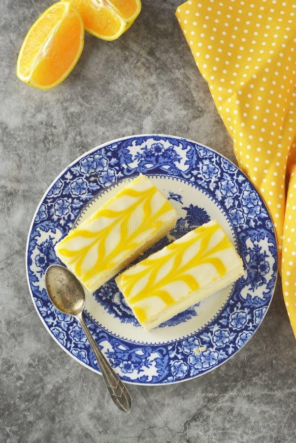 Torta de la llovizna del limón, postre de la torta de la corteza del limón foto de archivo libre de regalías