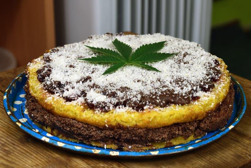 Torta de la marijuana foto de archivo libre de regalías