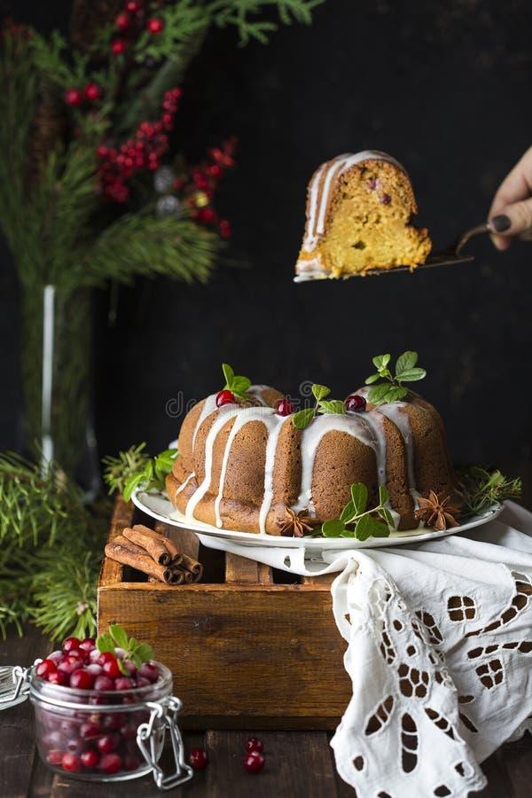Torta de la Navidad con los arándanos foto de archivo libre de regalías