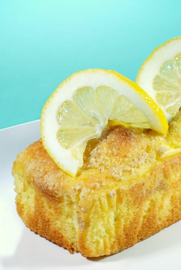 Torta de libra del limón con las rebanadas del limón fotos de archivo libres de regalías
