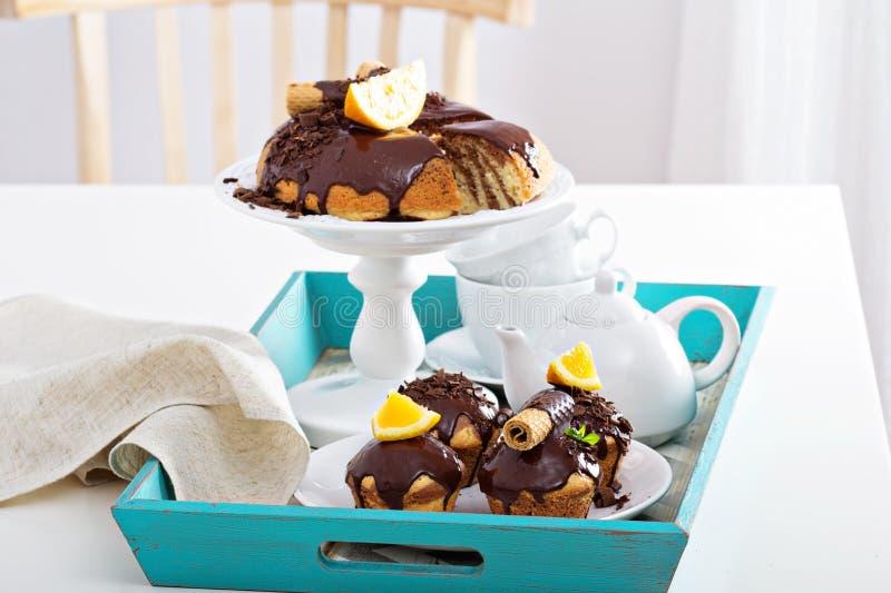 Torta de mármol anaranjada del chocolate imagen de archivo libre de regalías