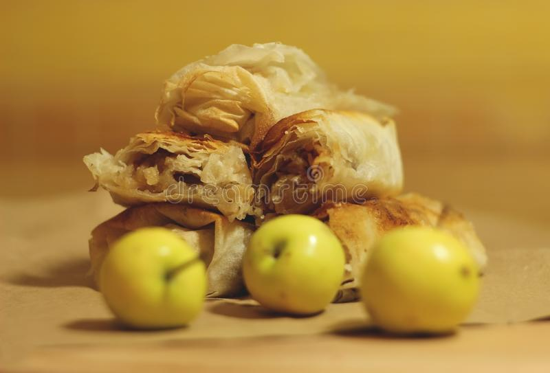 Torta de maçã caseiro foto de stock
